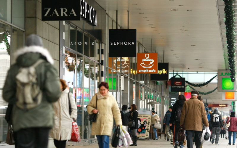 Poland to phase out Sunday shopping by 2020